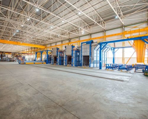 metallic-ovens-inside-big-factory-with-heavy-equipments-min_opt